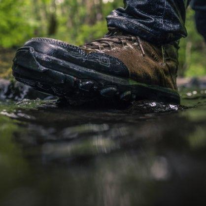 کفش و پوتین نظامی